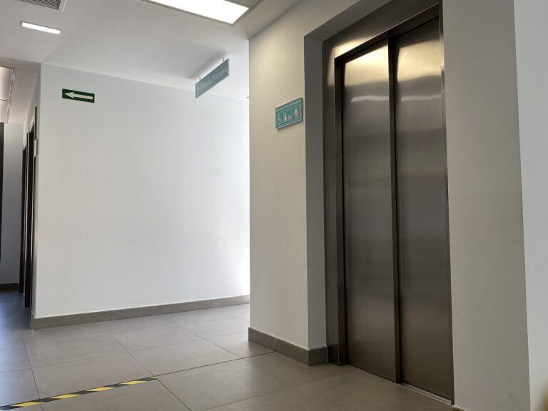 ascensor centro de salud